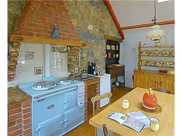 Le Nid D Armour kitchen, note the fantastic aga