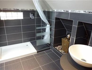 The master en suite shower room