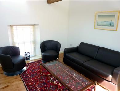 Apartment 4 lounge area seating