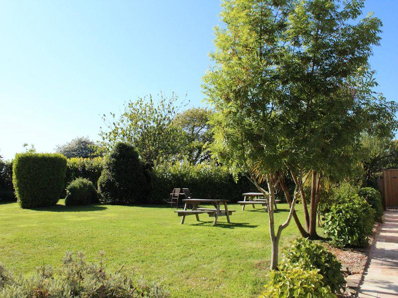 Macoles - Cottage Holidays in St Saviour - Guernsey