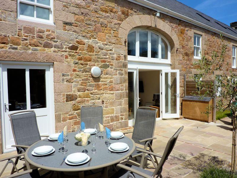 Macoles Self Catering Holidays 521/670