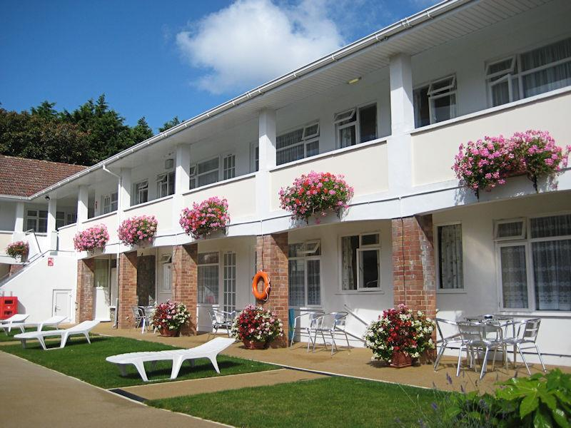 Macoles - 4 Star Gold Apartments in St Martin - Guernsey