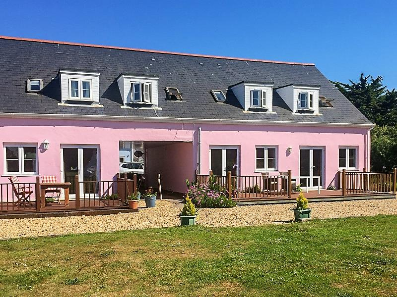 Macoles Self Catering Holidays 7654/337