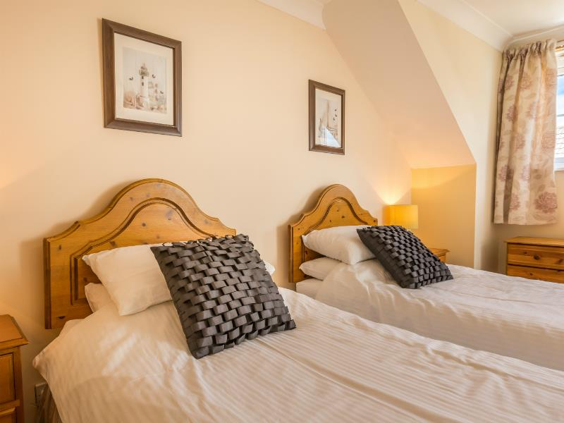 Macoles - Ellingham Cottages - Guernsey