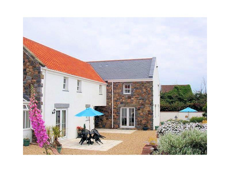 Macoles Self Catering Holidays 7968/1161