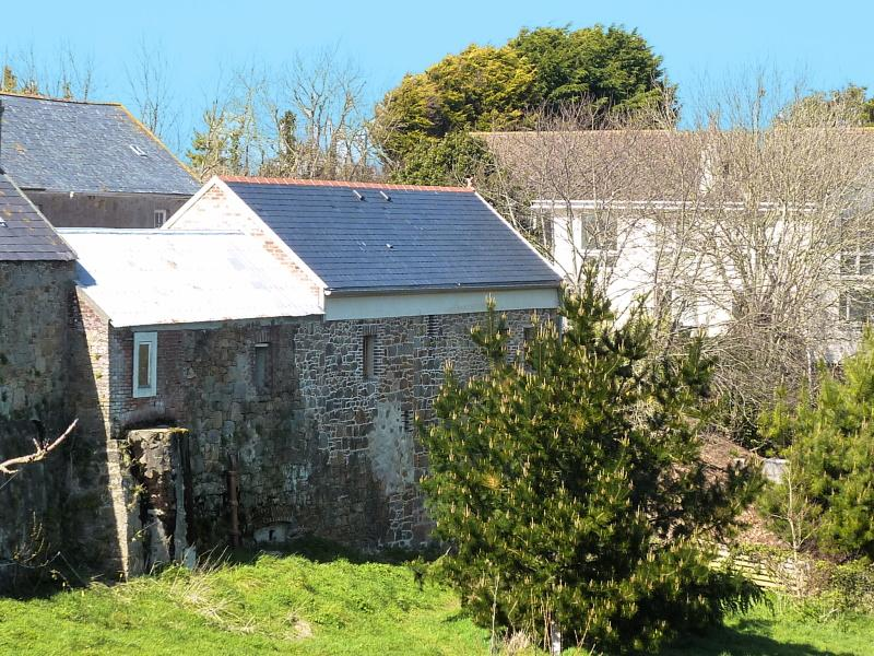 Macoles - Acorn Wood Cottage - Jersey